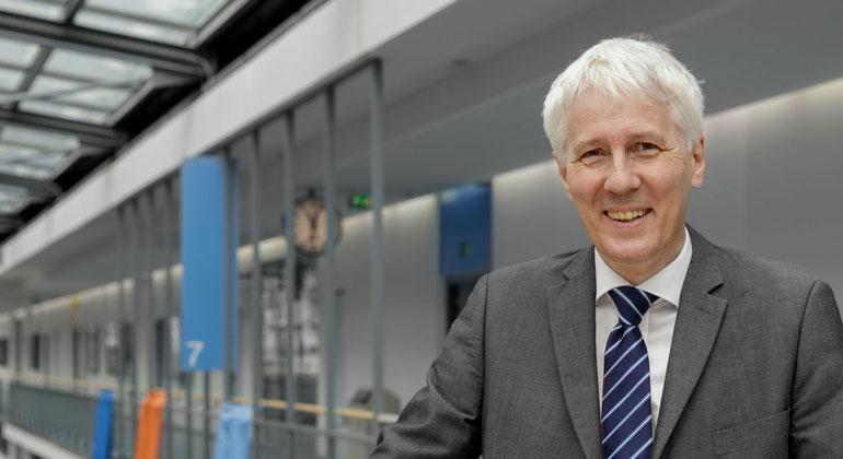 TUM   Sebastian Kissel   Prof. Alois Knoll