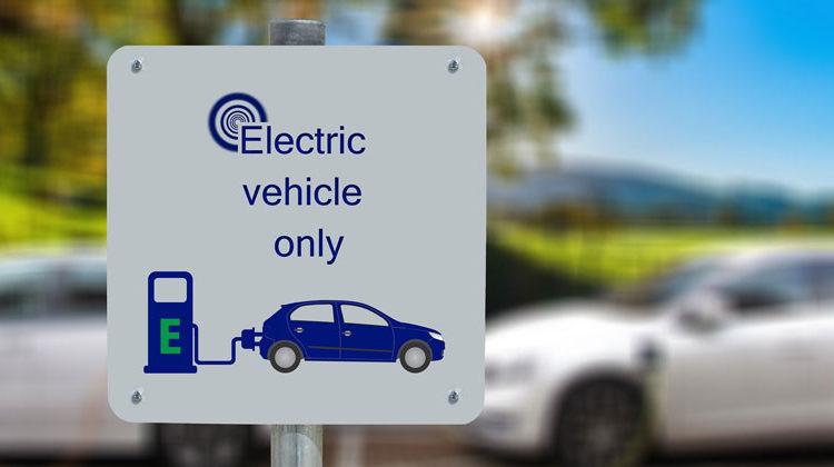 pixabay.com | Gerd Altmann | Electric Vehicle only